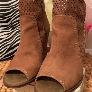 Lucky Brand Bootie Size 8 1/2